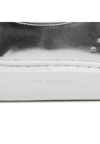 Trussardi Jeans - Sneakersy TRUSSARDI - 79A00649 M020. Okazja: na co dzień, na spacer. Kolor: srebrny. Materiał: skóra ekologiczna, materiał. Szerokość cholewki: normalna. Sezon: lato. Styl: casual