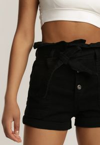 Renee - Czarne Szorty Paperbag Ylannarax. Kolor: czarny