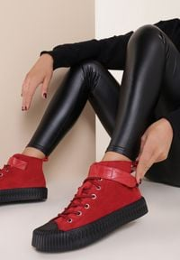 Renee - Czerwone Botki Uhrrelle. Kolor: czerwony