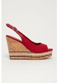 U.S. Polo Assn. - Sandały. Zapięcie: klamry. Kolor: czerwony. Materiał: materiał. Wzór: gładki. Obcas: na koturnie