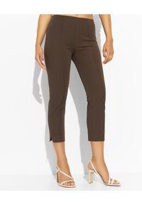 SEDUCTIVE - Brązowe spodnie 7/8. Kolor: brązowy. Wzór: gładki. Styl: klasyczny