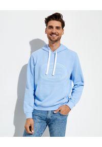 Lacoste - LACOSTE - Błękitna bluza z kapturem. Typ kołnierza: kaptur. Kolor: niebieski. Materiał: bawełna, polar, jeans. Wzór: haft, prążki. Styl: klasyczny