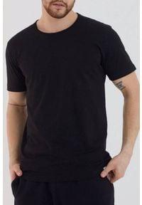 Czarny t-shirt IVET klasyczny, na co dzień