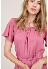 Marie Zélie - Sukienka Pola piwoniowy róż mikromodal. Kolor: różowy. Materiał: wiskoza, dzianina, elastan, włókno, skóra. Długość rękawa: krótki rękaw. Długość: midi