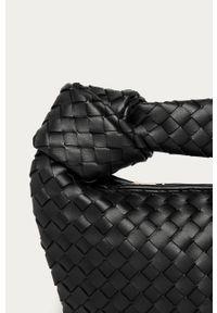 Czarna shopperka Answear Lab na ramię, wakacyjna