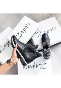 Czarne botki Zapato bez zapięcia, casualowe, w kolorowe wzory