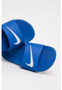 Niebieskie klapki Nike Kids