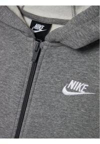 Szare dresy Nike