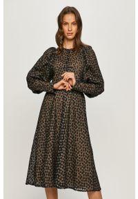 Samsoe & Samsoe - Samsoe Samsoe - Sukienka. Kolor: czarny. Długość rękawa: długi rękaw. Typ sukienki: rozkloszowane