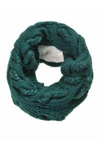 Zielony szalik TOP SECRET w kolorowe wzory, na zimę