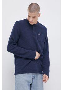 Tommy Jeans - Longsleeve. Okazja: na co dzień. Kolor: niebieski. Materiał: bawełna. Długość rękawa: długi rękaw. Wzór: aplikacja. Styl: casual