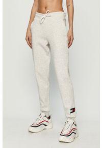 Szare spodnie dresowe Tommy Sport