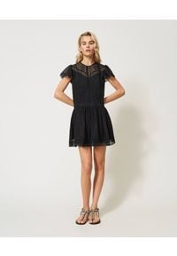 TwinSet - Sukienka z popeliny z koronką Twinset. Kolor: czarny. Materiał: koronka. Wzór: koronka. Styl: klasyczny