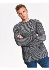 TOP SECRET - Sweter długi rękaw męski oversize we wzory. Kolor: szary. Materiał: prążkowany, dzianina, jeans. Długość rękawa: długi rękaw. Długość: długie. Sezon: zima, jesień. Styl: elegancki