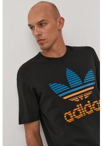 Czarny t-shirt adidas Originals na co dzień, z nadrukiem