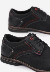 Born2be - Czarne Półbuty Synilis. Wysokość cholewki: przed kostkę. Nosek buta: okrągły. Kolor: czarny. Szerokość cholewki: normalna. Wzór: aplikacja. Obcas: na obcasie. Styl: elegancki. Wysokość obcasa: niski