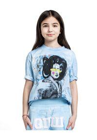 ROBERT KUPISZ - Niebieski t-shirt GEISHA. Kolor: niebieski. Materiał: bawełna. Długość rękawa: długi rękaw. Długość: długie. Wzór: nadruk