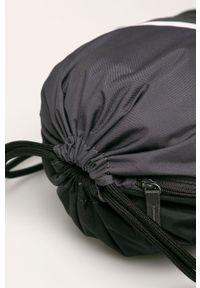 Czarny plecak Nike Sportswear z nadrukiem