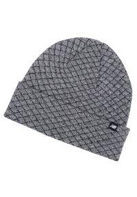 Szara czapka New Balance na zimę
