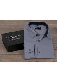 Modini - Szara koszula męska z granatowymi kontrastami w kropki Y13. Kolor: szary, niebieski, wielokolorowy. Materiał: tkanina, poliester, bawełna. Wzór: kropki. Styl: klasyczny