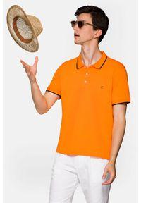 Lancerto - Koszulka Pomarańczowa Polo Dominic. Typ kołnierza: polo. Kolor: pomarańczowy. Materiał: włókno, materiał, bawełna. Długość rękawa: krótki rękaw. Wzór: ze splotem. Sezon: lato. Styl: klasyczny