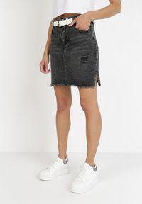 Born2be - Ciemnoszara Spódnica Acosaphaura. Kolor: szary. Materiał: jeans. Długość: krótkie. Wzór: aplikacja