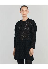 ANIA KUCZYŃSKA - Sukienka z bawełnianej koronki Mini Modesta. Okazja: na co dzień. Kolor: czarny. Materiał: koronka, bawełna. Wzór: koronka. Typ sukienki: proste. Styl: klasyczny, casual. Długość: mini