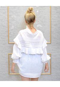 EMMA & GAIA - Biała bawełniana koszula. Kolor: biały. Materiał: bawełna. Długość: długie. Wzór: haft, aplikacja. Styl: sportowy