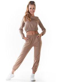 Infinite You - Klasyczne Dresowe Spodnie na Gumie - Beżowe. Kolor: beżowy. Materiał: dresówka, guma