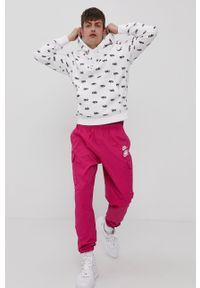 Nike Sportswear - Bluza. Okazja: na co dzień. Kolor: biały. Styl: casual