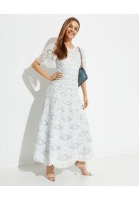 NEEDLE & THREAD - Sukienka maxi Lunette. Kolor: niebieski. Materiał: koronka. Wzór: haft, koronka, aplikacja. Typ sukienki: asymetryczne, rozkloszowane. Długość: maxi