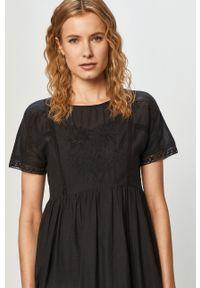 Czarna sukienka Pepe Jeans casualowa, mini