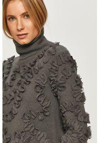 Szary sweter Silvian Heach z długim rękawem, klasyczny