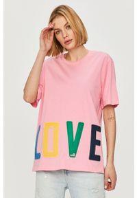 Różowa bluzka Love Moschino z aplikacjami, casualowa, na co dzień