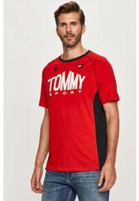 Czerwony t-shirt Tommy Sport z nadrukiem, na co dzień, z okrągłym kołnierzem, sportowy