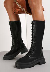 Renee - Czarne Kozaki Delede. Wysokość cholewki: przed kolano. Nosek buta: okrągły. Zapięcie: sznurówki. Kolor: czarny. Szerokość cholewki: normalna