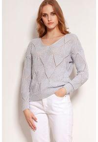 Lanti - Ażurowy Sweter z Głębokim Dekoltem V - Szary. Kolor: szary. Materiał: bawełna, akryl. Wzór: ażurowy