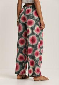 Renee - Zielone Spodnie Laomethylia. Stan: podwyższony. Kolor: zielony. Długość: długie. Wzór: kolorowy. Sezon: lato