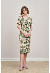Marie Zélie - Sukienka Irmina Tokio. Materiał: wiskoza, materiał, tkanina, skóra, poliester. Długość rękawa: krótki rękaw. Wzór: napisy. Typ sukienki: proste, kopertowe