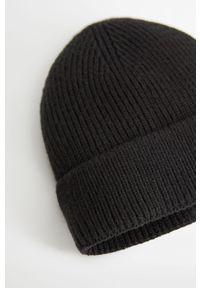 Czarna czapka Mango Man