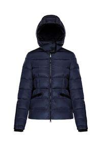 MONCLER - Granatowa kurtka Betula. Okazja: na spacer. Kolor: niebieski. Materiał: materiał. Długość rękawa: długi rękaw. Długość: długie. Sezon: zima