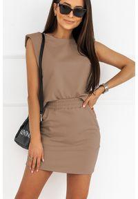 IVON - Komplet Dresowy Bluzka + Mini Spódniczka - Mocca. Materiał: dresówka