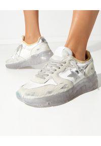 GOLDEN GOOSE - Sneakersy Running Sole ze srebrną gwiazdą. Kolor: beżowy. Materiał: nylon, guma. Szerokość cholewki: normalna. Wzór: aplikacja. Sport: bieganie