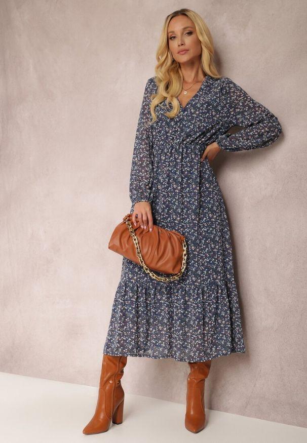 Renee - Granatowa Sukienka Erasakos. Kolor: niebieski. Wzór: kwiaty, aplikacja. Długość: maxi
