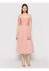 Różowa sukienka koktajlowa Nissa