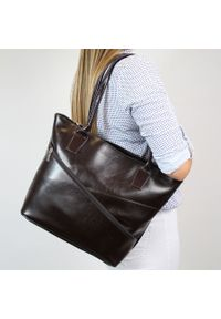 Brązowa torebka DAN-A elegancka, w kolorowe wzory