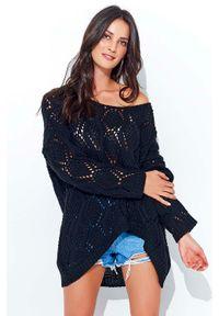 Czarny sweter oversize Makadamia w ażurowe wzory