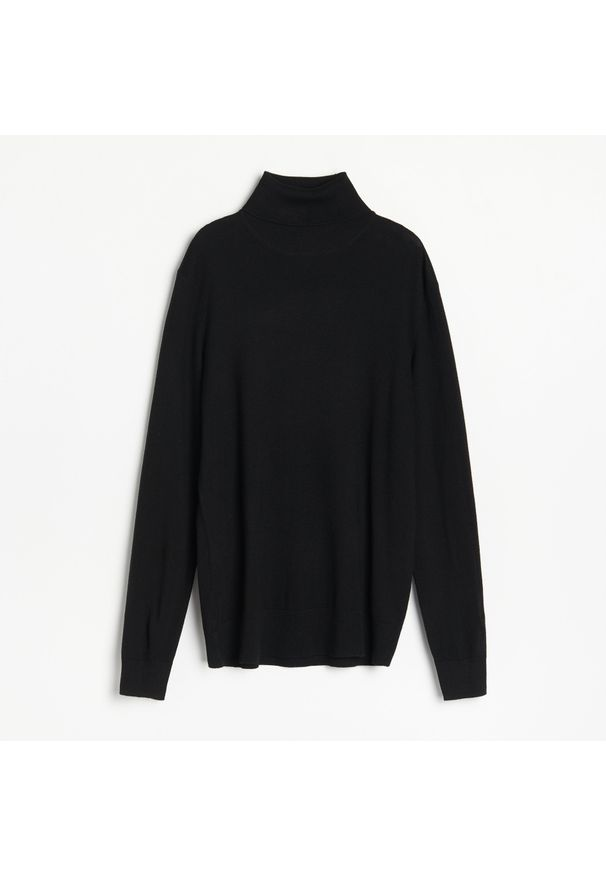 Czarny sweter Reserved z golfem