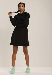 Renee - Czarna Sukienka Winnara. Kolor: czarny. Materiał: bawełna, dzianina, koronka. Długość rękawa: długi rękaw. Styl: rockowy. Długość: mini