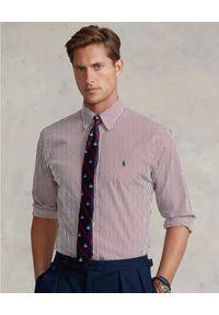 Ralph Lauren - RALPH LAUREN - Czerwona koszula w prążki Custom Fit. Okazja: na co dzień. Typ kołnierza: button down, polo. Kolor: czerwony. Materiał: bawełna. Długość rękawa: długi rękaw. Długość: długie. Wzór: prążki. Styl: klasyczny, casual